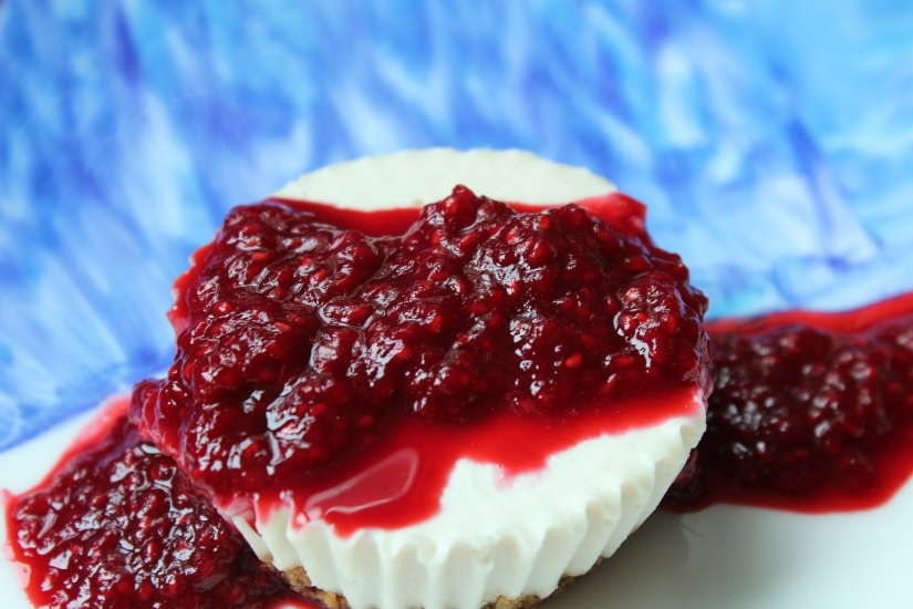 Vegan Macadamia Nut Cheesecake with RaspberrySauce